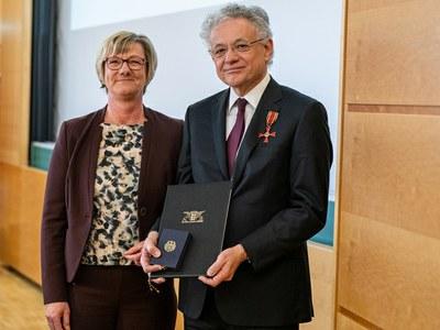 Bundesverdienstkreuz für Prof. Dr. Bode
