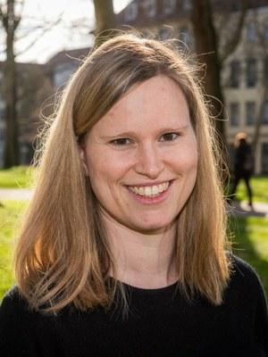 Freiburger Forscherin Dr. Maike Hofmann erhält Stipendium des Landes